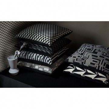 KDC5166-05 ORIGIAMI-ROCKETINOS-CUSHION-MONOCHROME