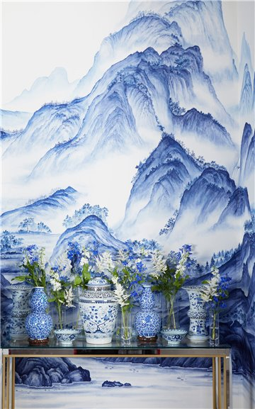 A Thousand Li of Rivers and Mountains A Thousand Li of Rivers and Mountains Delft on Bleached White dyed silk